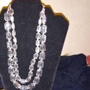 Necklace an earrings